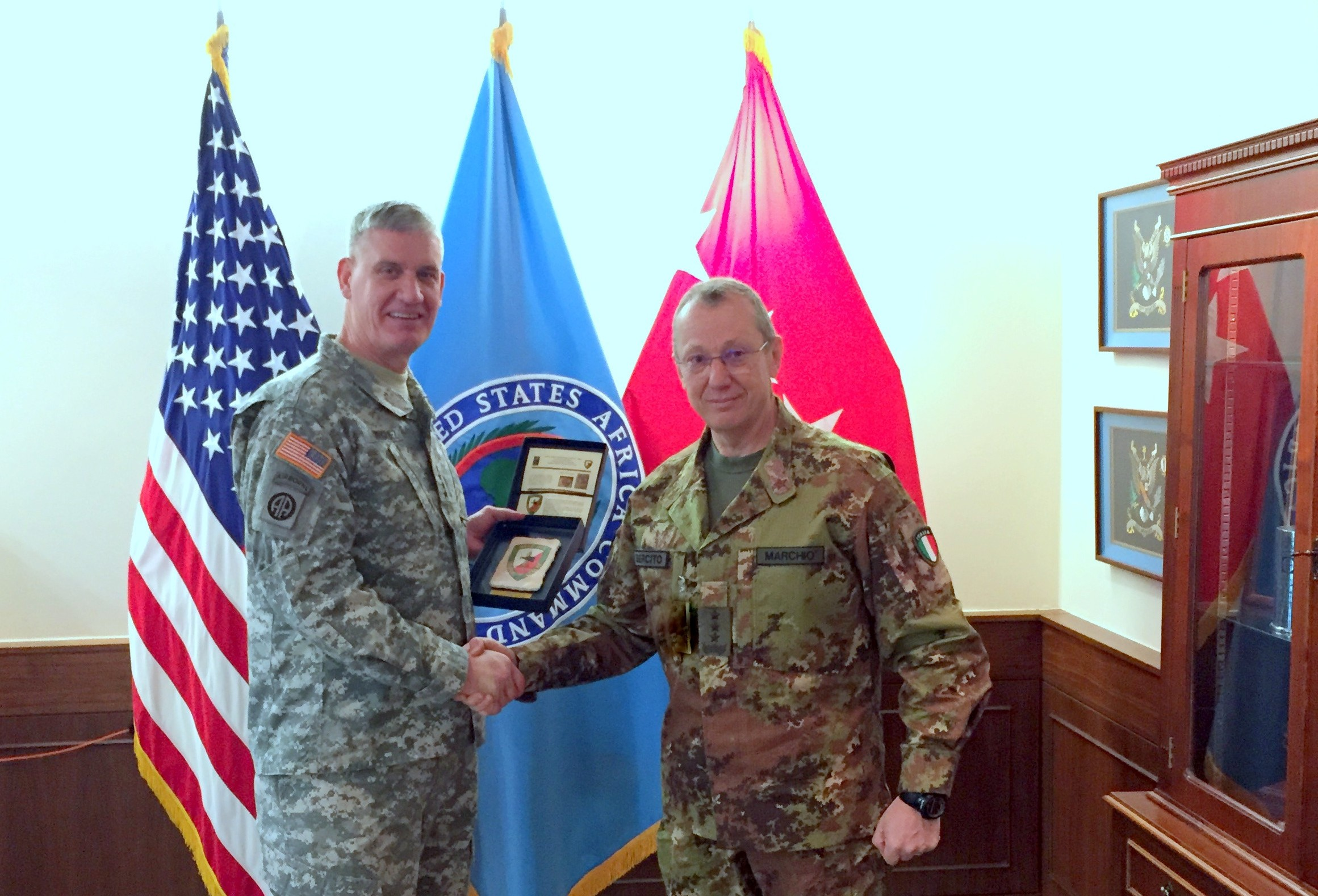 8th February - NRDC-ITA Commander visits USAFRICOM