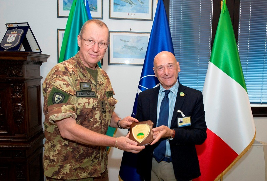 NRDC-ITA Commander awarded by Olona Valley's friends
