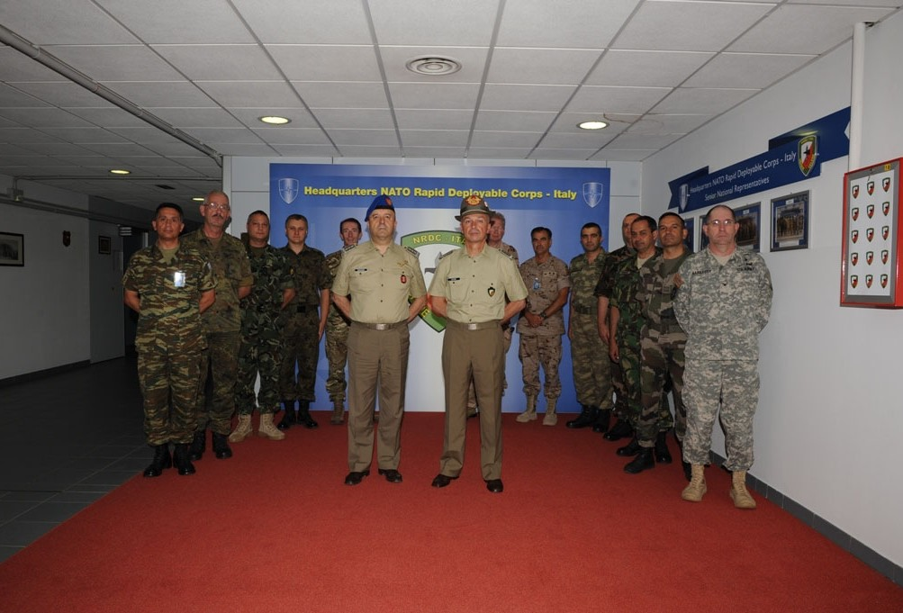 "ITALIAN LAND FORCES COMMANDER VISITS ""UGO MARA"