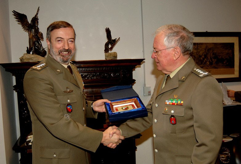 THE COMMANDER OF THE ITALIAN OPERATIONAL LAND FORCES VISITS NRDC-ITA