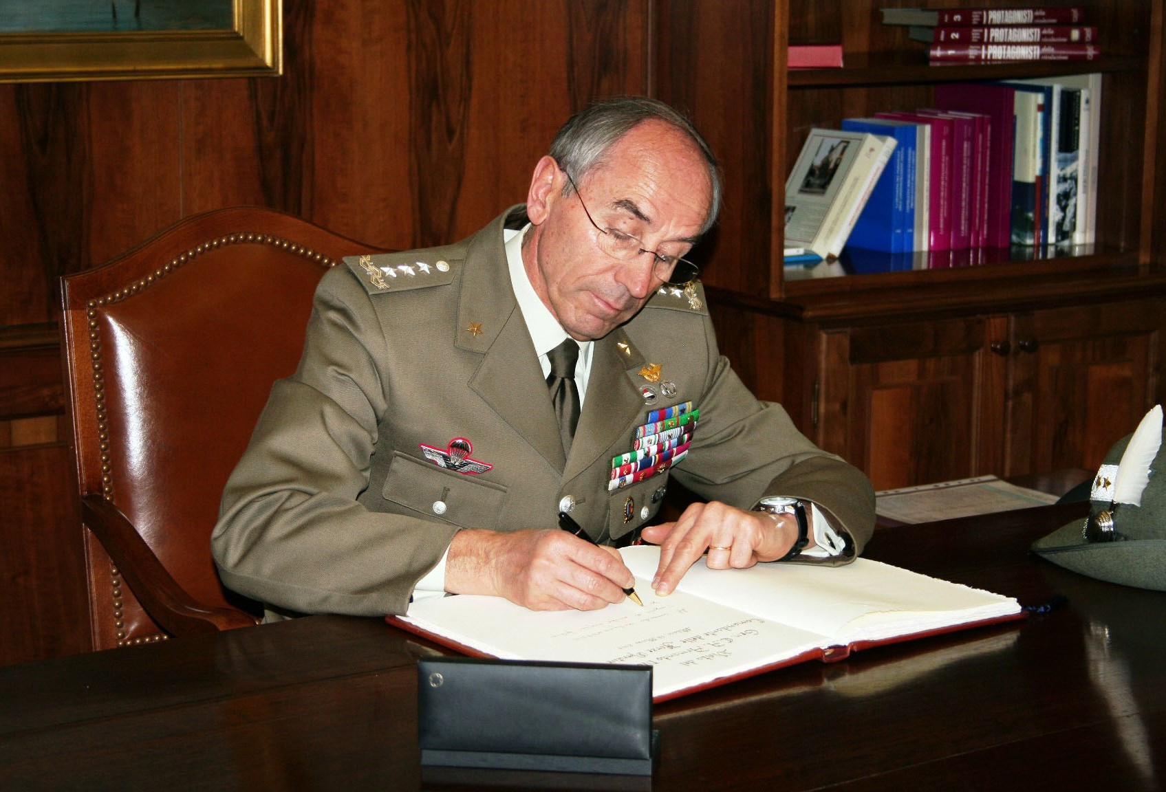 THE COMMANDER OF THE ITA OPERATIONAL LAND FORCES VISITS NRDC-ITA