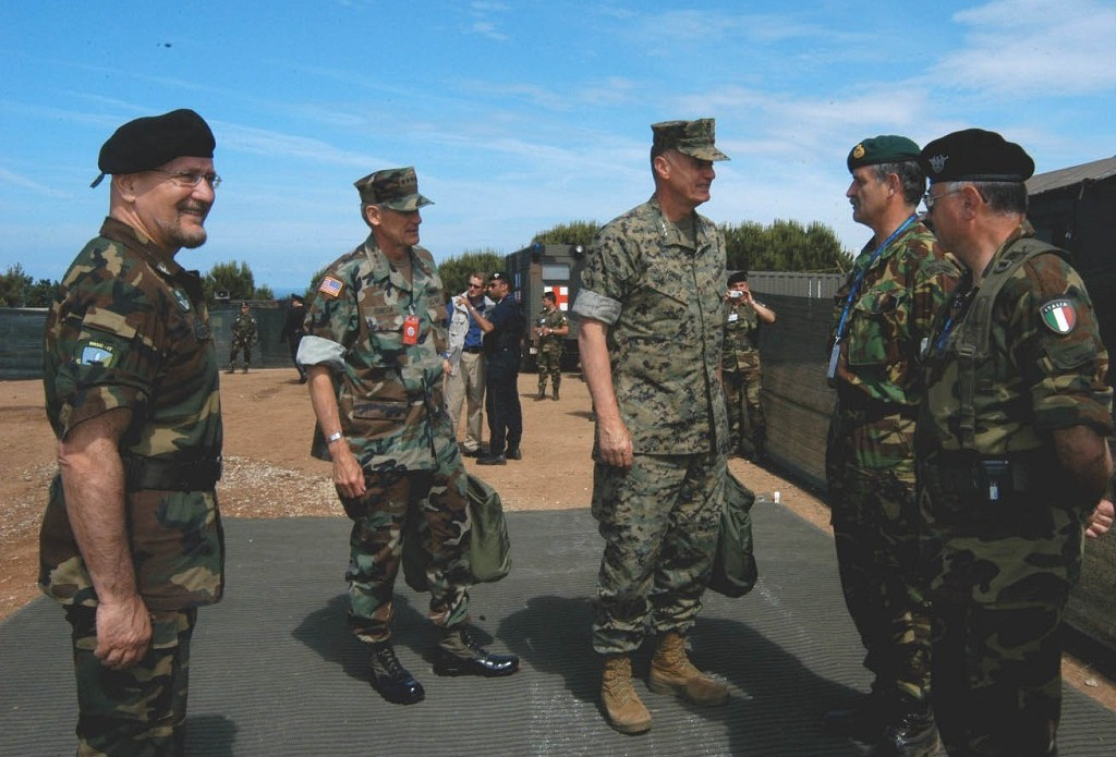 TOP NATO OFFICIALS VISIT THE NRDC-IT DURING EXERCISE ALLIED ACTION 04